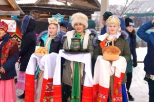 Татарский традиционный обрядовый праздник  «Каз  өмәсе». («Праздник гусиного пера»).